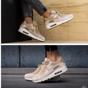 NIKE WOMENS AUTHENTIC AIR MAX 90 Sz 7.5 New